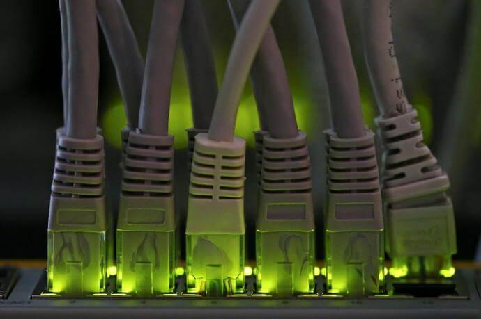 Höhere Gebühren, weniger Datenschutz? Swisscom ändert AGB – und muss Kritik einstecken